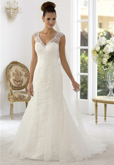 AT4639 Lace Wedding Dress