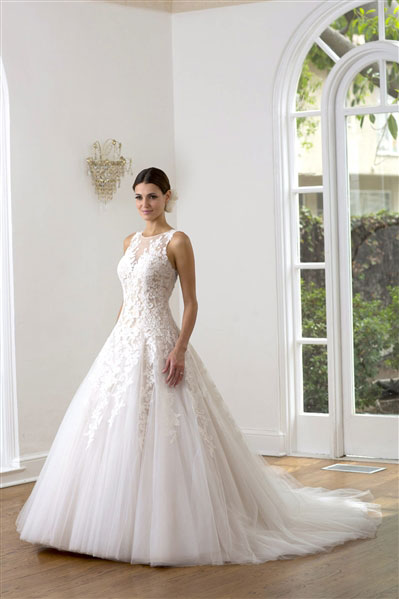 VE8229-Princess-Wedding-Gown