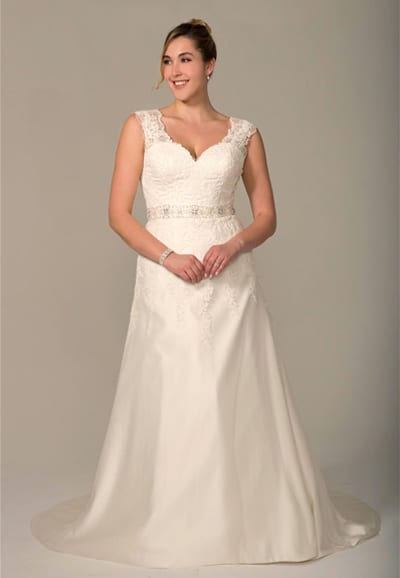 VW8750-Wedding-Dress Plus Size