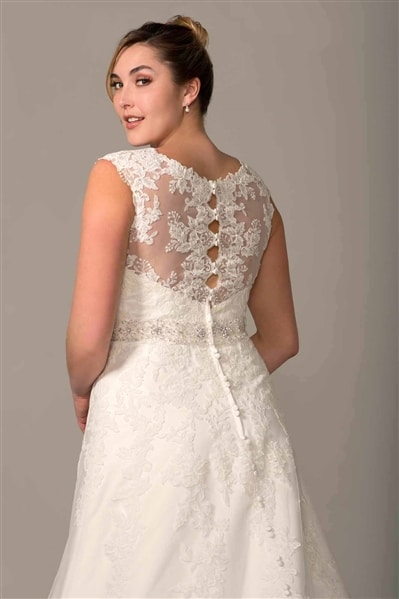 VW8750X Plus Size Lace Wedding Dress Back