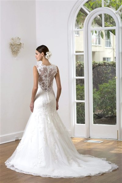 Auckland wedding gown Ve8223 Back