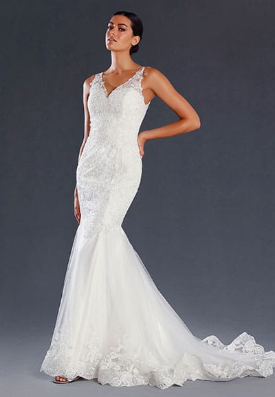 JX080-Lace gown with a sheer back