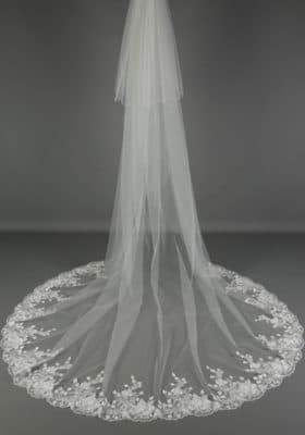 Veil with Floral-lace-edge