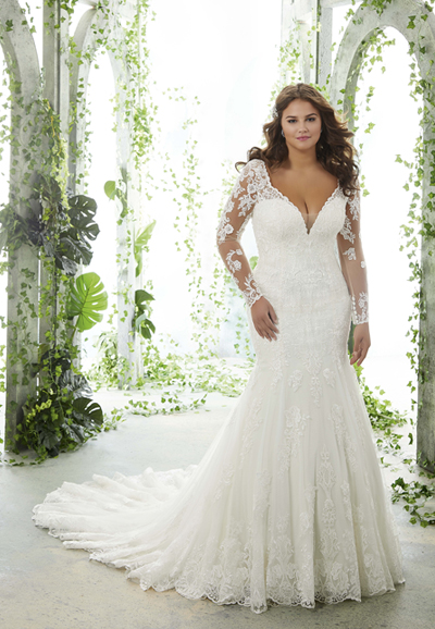 Paola-Plus-Size-wedding-dress-3251-feature